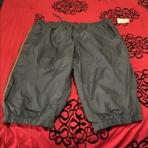 Windbreaker activewear shorts